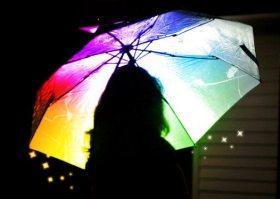 Sous mon parapluie multicolore